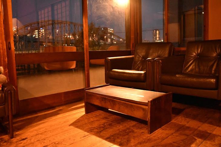 ルーサイトギャラリー&カフェ/夜 ソファー席