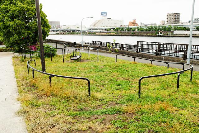GTS観光アートプロジェクト15桜橋北詰はらっぱ(台東区:隅田公園)