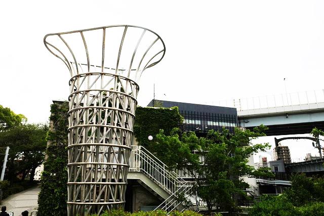 GTS観光アートプロジェクト24ゆらぎツリー(墨田区:枕橋際花壇)