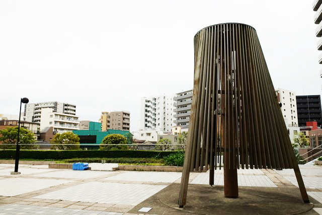 GTS観光アートプロジェクト25スカルプチャーツリー(墨田区役所前ふれあい広場)