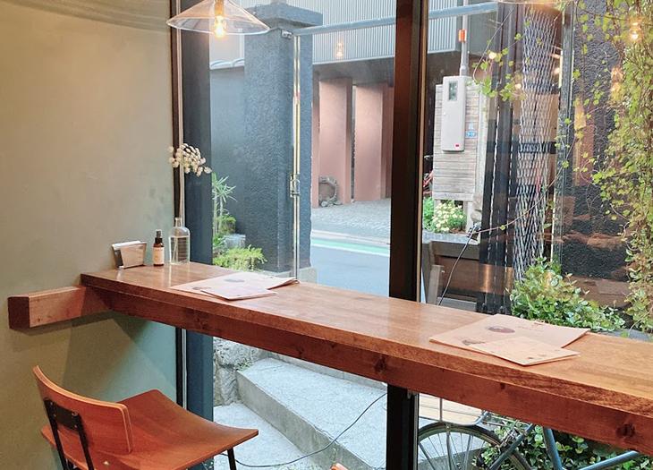 カフェ・ギャラリー・レンタルスペースなどの最小文化複合施設「HAGISO/萩荘」