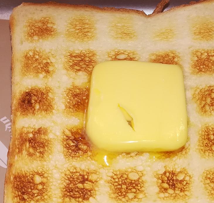 蔵前「ペリカンカフェ」食パン