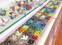 ガラス細工の体験教室|初心者でも安心!浅草橋の「きなりがらす」でとんぼ玉作りを体験しよう