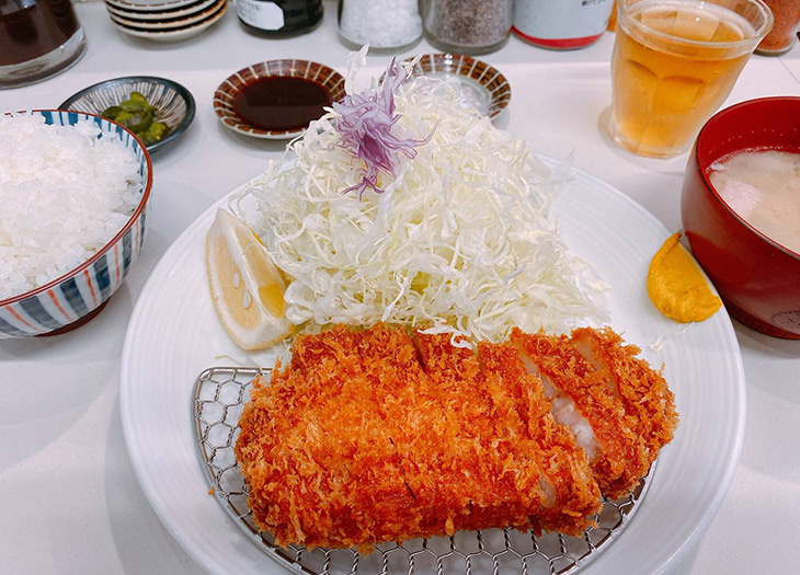 【実食】ランチタイムにがっつり!浅草橋駅付近の「とんかつ億(あおき)」は塩で食べるのが最高に美味しい