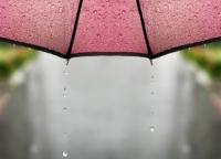 鬼滅の刃の折り畳み傘が可愛い!浅草新仲見世北斎グラフィックの和傘で雨の日の憂鬱を吹き飛ばそう