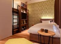 まるでコテージ?ホテル「COCOSHUKU 浅草蔵前」では、キッチン付の部屋に泊まれるのでパーティーや仕事にも便利!